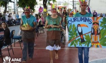 Desfile da Primavera promovido pelo Centro Dia e Unidade Referenciada: